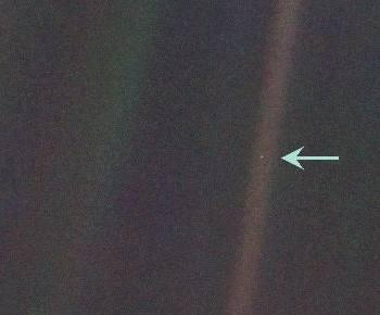 Pale Blue Dot/Soluk Mavi Nokta